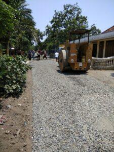 Pengaspalan Jalan Desa